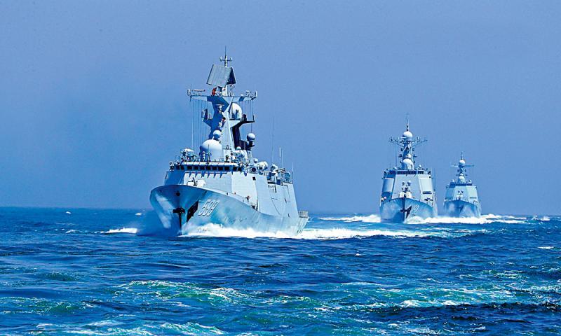 盛煌测速:维护主权/东部战区:多军种对海突击演练常态化(图1)